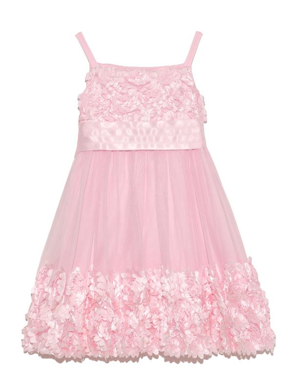 スパゲッティスリーブのドレスに胸元と裾に広がったフラワーモチーフがロマンティックでキュートな印象。パニエを入れて撮影しております。