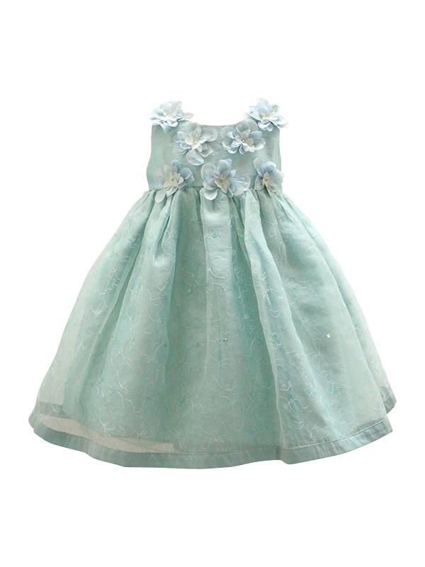 胸元の大きな花とハイウェストデザインがお子様のあどけない可愛さを引き立てるインポートドレスです。