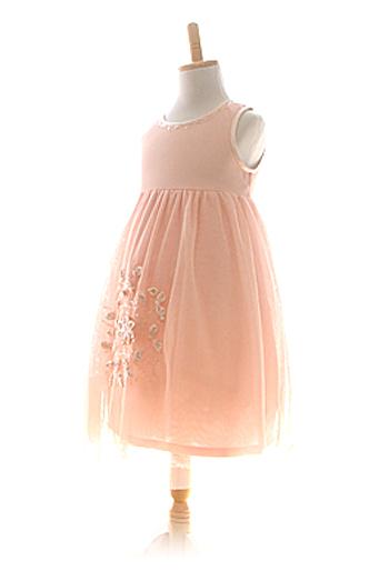 優しいピンクでシンプルなデザインのドレス。お食事会やちょっとしたお出かけにどうぞ。