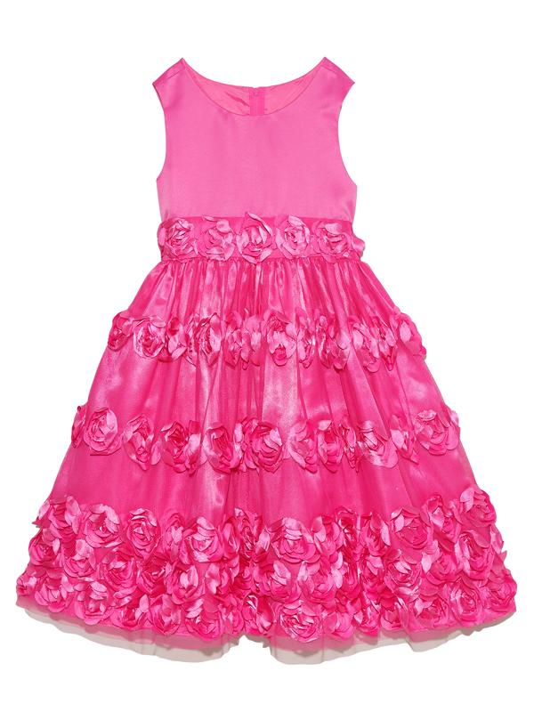 スカートにあしらわれた立体的なフラワーモチーフがとても華やかでキュート。ビビットピンクの明るいお色目で舞台映えするドレスです。   大人っぽくシンプルなデザインが上品なドレスです。パニエを入れて撮影しております。