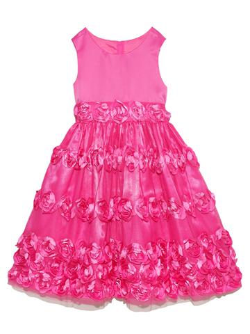 スカートにあしらわれた立体的なフラワーモチーフがとても華やかでキュート。ビビットピンクの明るいお色目ですので舞台映えするドレスです。4泊5日クリーニング不要 大人っぽくシンプルなデザインが上品なドレスです。