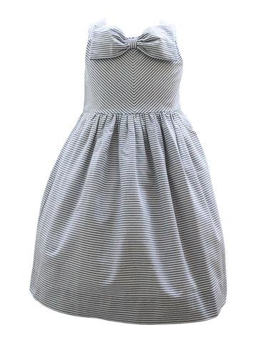 シンプルなデザインですがワンポイントのリボンがとても可愛いワンピースです。お食事会やお誕生日会、お呼ばれにどうぞ。4泊5日クリーニング不要 大人っぽくシンプルなデザインが上品なドレスです。