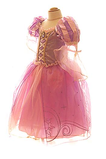 ラプンツェルのドレスでお姫様気分を味わえます。