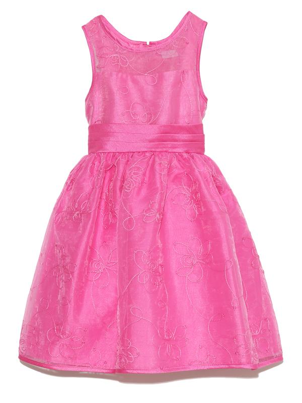女の子の大好きなピンク、少しハイウエストでかわいいシルエットのドレスです。結婚式・お食事会にどうぞ。
