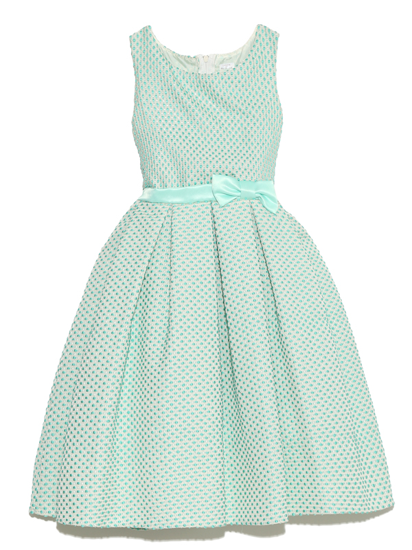 明るいミントグリーンのクラシックなデザインでお姉さんに大人気のドレスです。
