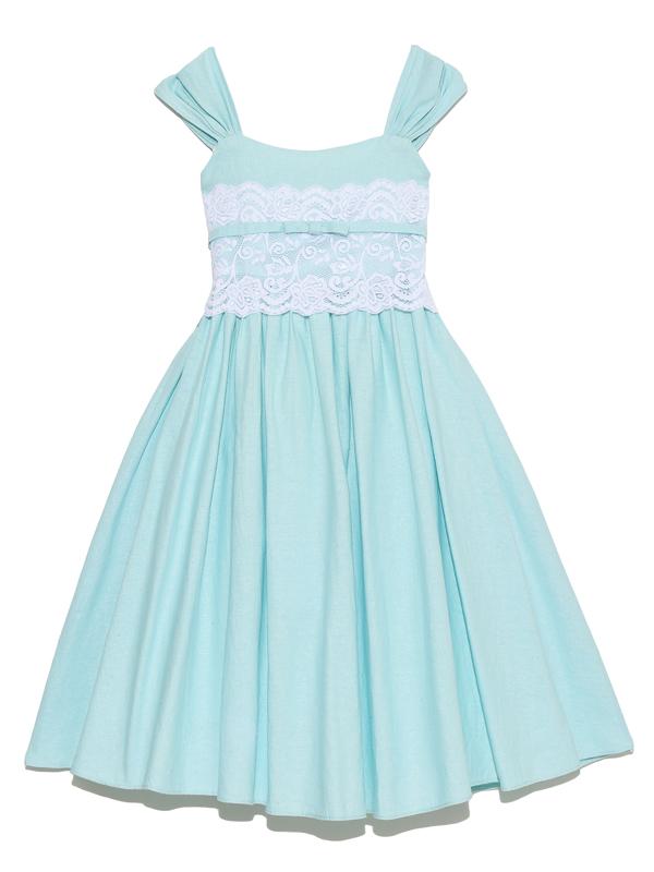 ウエスト部分のホワイトレースと麻加工されたドレスの生地が爽やかさを増し、初夏から真夏にかけてお薦めのドレスです
