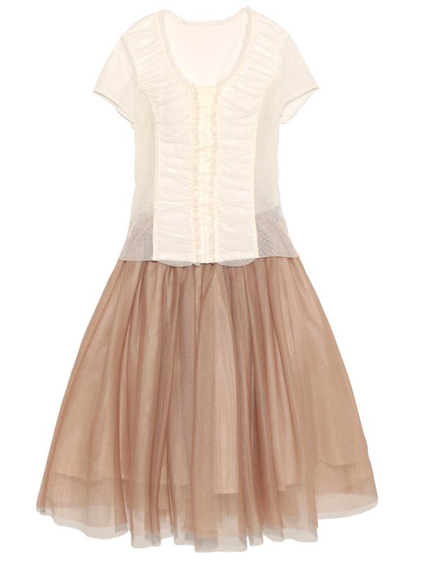 ツーピースタイプのドレスとなっております。トップスは伸縮性のあるお素材です。ミルクティーカラーがとても優しい雰囲気をだしてくれます。