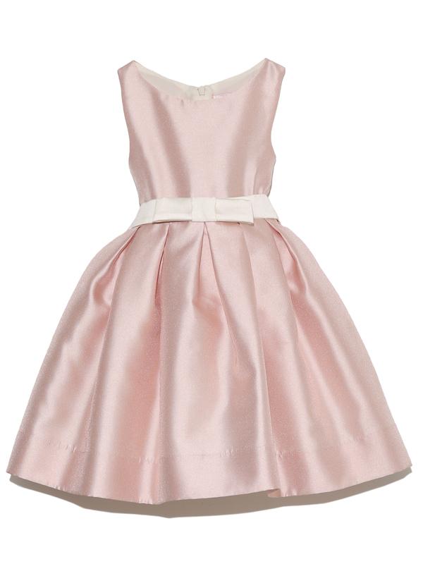光沢と張りのあるお素材で上品でスタンダードデザインがとても素敵なインポートドレスです。