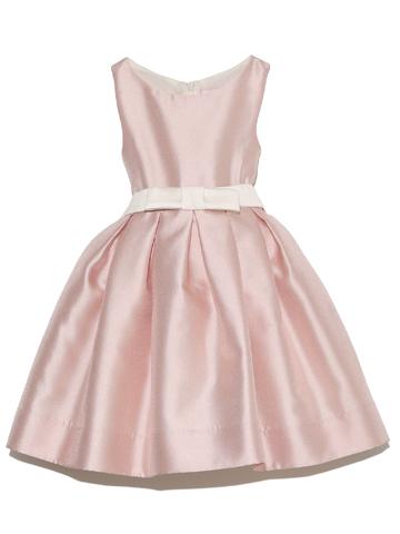 光沢と張りのあるお素材で上品でスタンダードデザインがとても素敵なインポートドレス