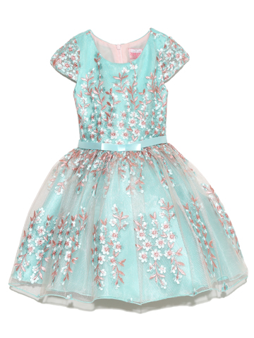 こちらのドレスは、インポートでクオリティーも高く満足して頂ける商品です。4泊5日クリーニング不要