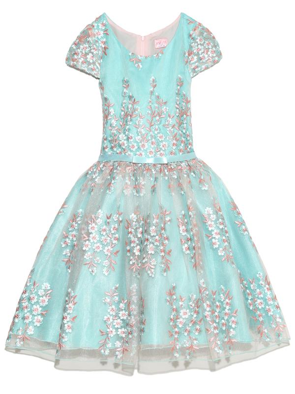こちらのドレスは、インポートで縫製もよくおしゃれさんにおすすめの商品です。ハワイ・ニーマンマーカス取り扱いブランド子供ドレスです。
