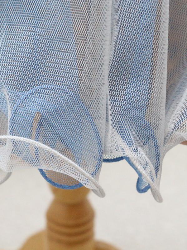 ドレススカート裾のウエーブが可愛いです。