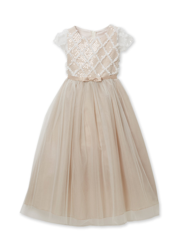 色合いがとても上品でチュールがたっぷりのボリュームのあるドレスです。レース部分の袖や上身頃が華やかさをアップ。ウエスト部分は同色でリボンがアクセントに。丈も少し長めなのでとても華やかでピアノやバイオリンの発表会にも。