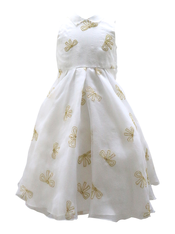 ホワイトチュールにリボン刺繍が施され、襟付きがより清楚さを引き立ててくれる憧れのインポートブランドドレスです。ピアノやバイオリンの発表会・お食事会にもどうぞ。
