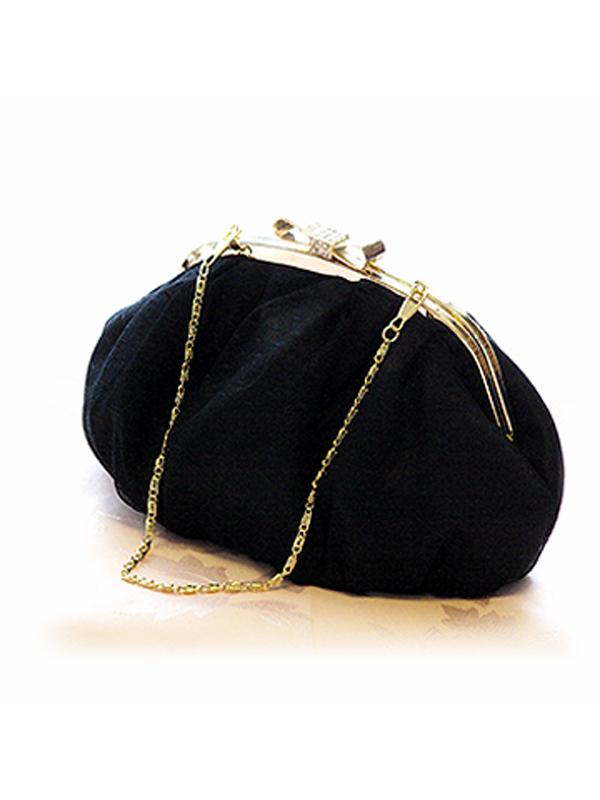 華奢な持ち手のゴールドが女性らしくシンプルなデザインのパーティーバッグです。シンプルなデザインがどんなドレスにもマッチし大活躍いたします。