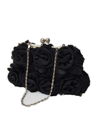 こちらのバッグはドレスとのコーディネートが抜群でおしゃれさんにおすすめの商品です。