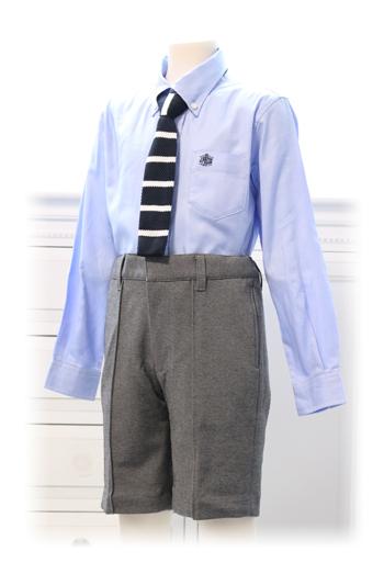 シャツ・ネクタイ・ソックスのセットです。